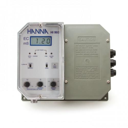 Controlador CE de pared (0,00 a 10,00 mS/ cm), 1 punto de consigna, salida aislada 0-20/ 4-20 mA